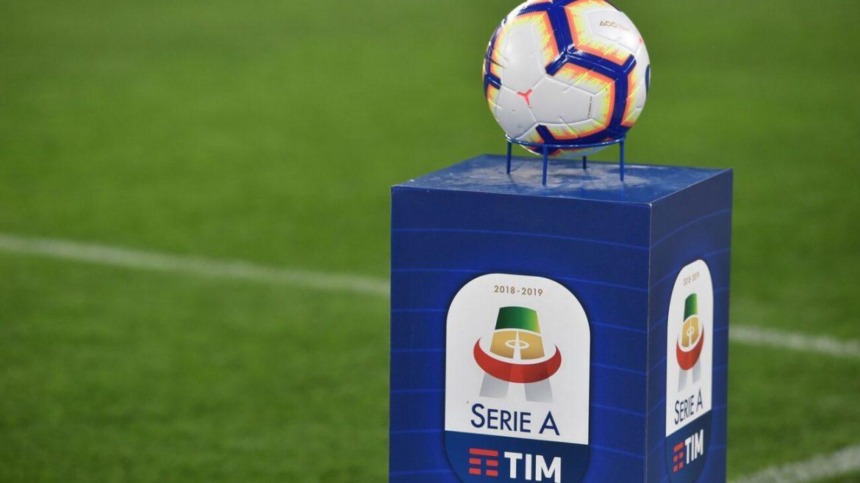 Nel campionato italiano ci sono regole di trasferimento abbastanza separate, si deve fare i conti con il diritto di doppio trasferimento